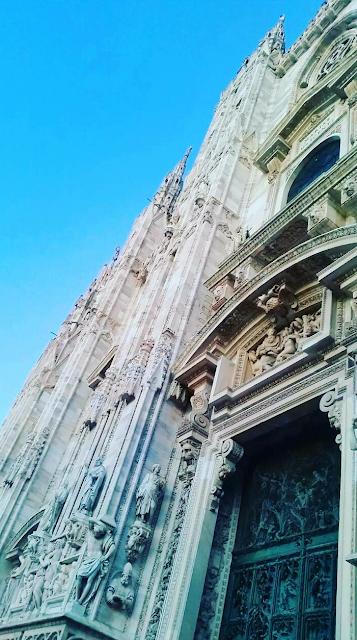 La troisième plus grande église du monde après la basilique Saint-Pierre et la cathédrale Notre-Dame du Siège de Séville.