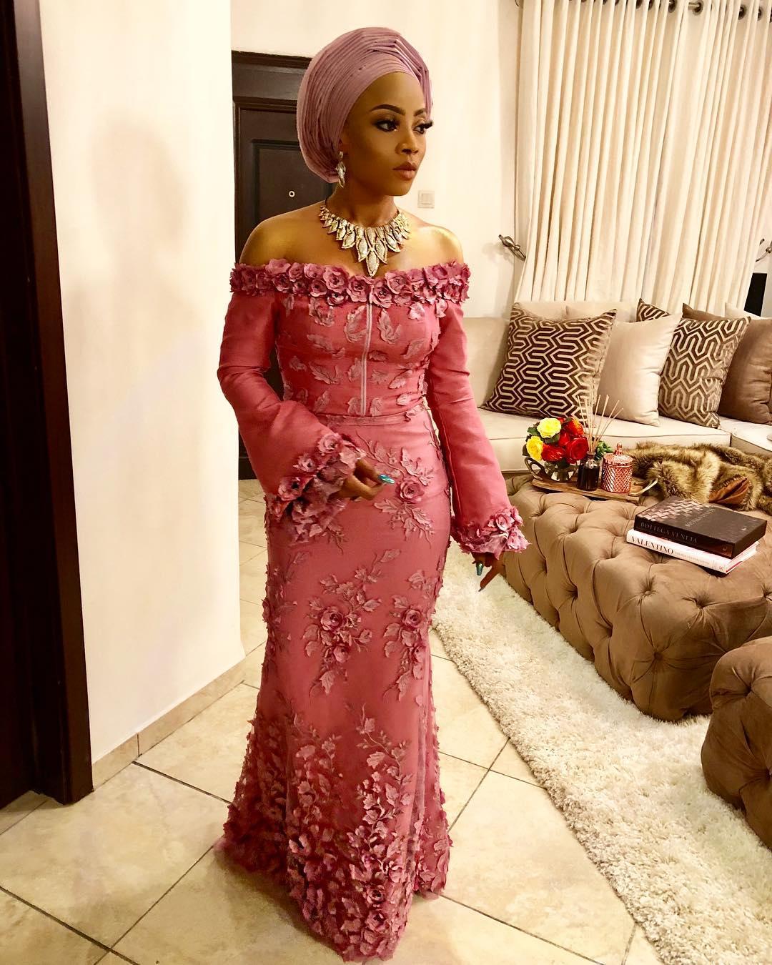 Wedding Hairstyles In Nigeria: WEDDING DIGEST NIGERIA: Stylish, Sexy And Trendy Aso-Ebi