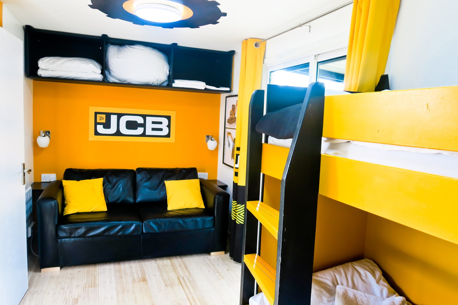 jcb construction cabins, gullivers land, gullivers land milton keynes, gullivers land jcb cabins, gullivers land dinosaur and farm park, jcb accomodation
