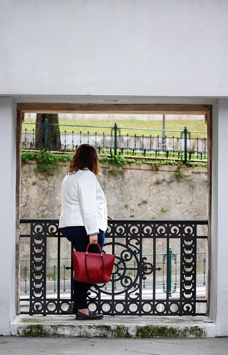 Collage of Style - Outfit con americana blanca y jeans - Por Almudena Duran X