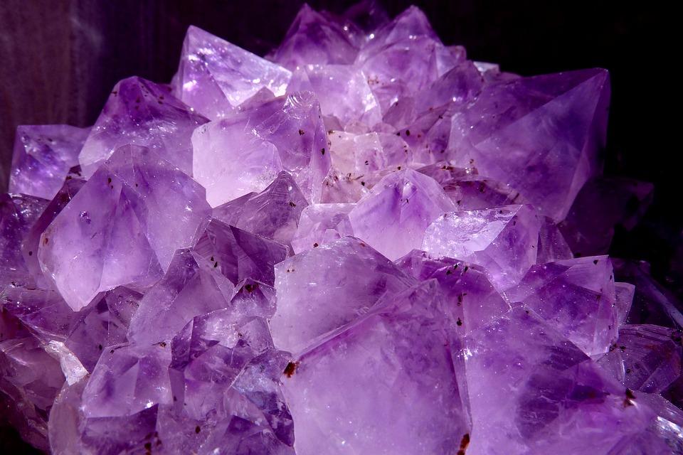 Właściwości zdrowotne ametystu,litoterapia, leczenie kamieniami