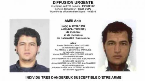 """Autoridades alemãs emitiram um alerta contra Anis Amri, o suspeito no caso de Natal, descrevendo-o como """"armado e perigoso"""""""