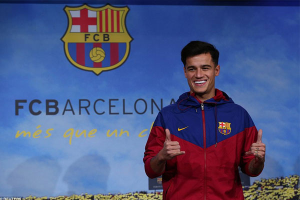 Coutinho cười rạng rỡ trong ngày ra mắt Barcelona 1