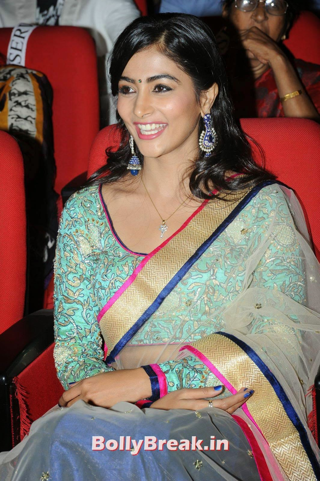 Pooja Hegde Latest Stills, hot Pics of Pooja Hegde from Mukunda Movie Audi Launch