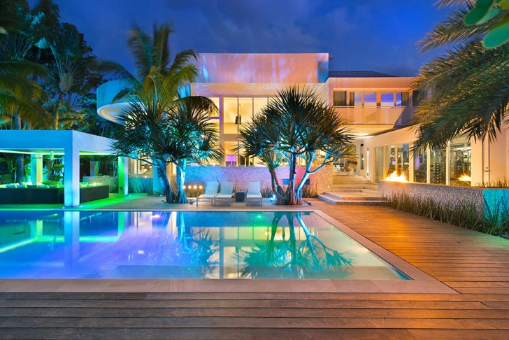 Backyard of Modern mansion in Miami