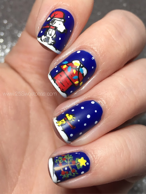 Christmas Snoopy Nails