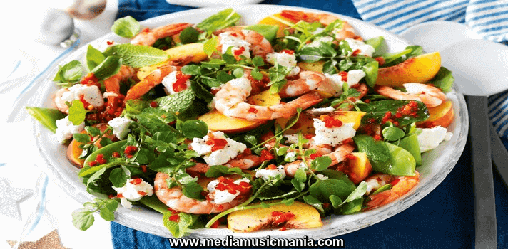How to Make Prawn Peach and Snow Pea Salad