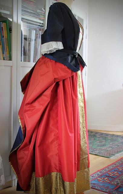 Costumes 18e  par costumière couture sur mesure à Versailles