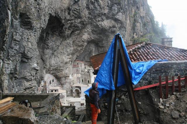 Συνεχίζονται οι εργασίες αποκατάστασης στην Παναγία Σουμελά στον Πόντο (Φωτο - Video)