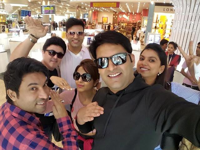 Kapil Sharma With The Kapil Sharma Show Artists