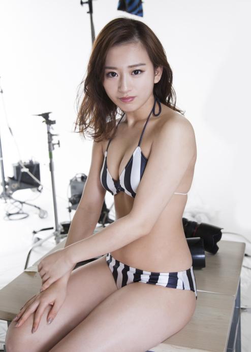 nice tits tight ass