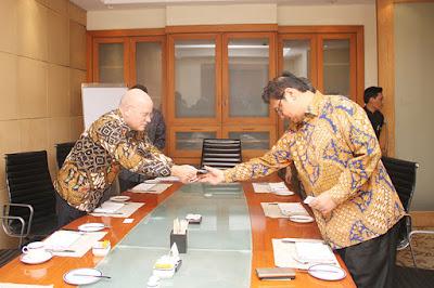 Airlangga Hartato Breakfast Meeting Bersama Chairman & CEO General Electric