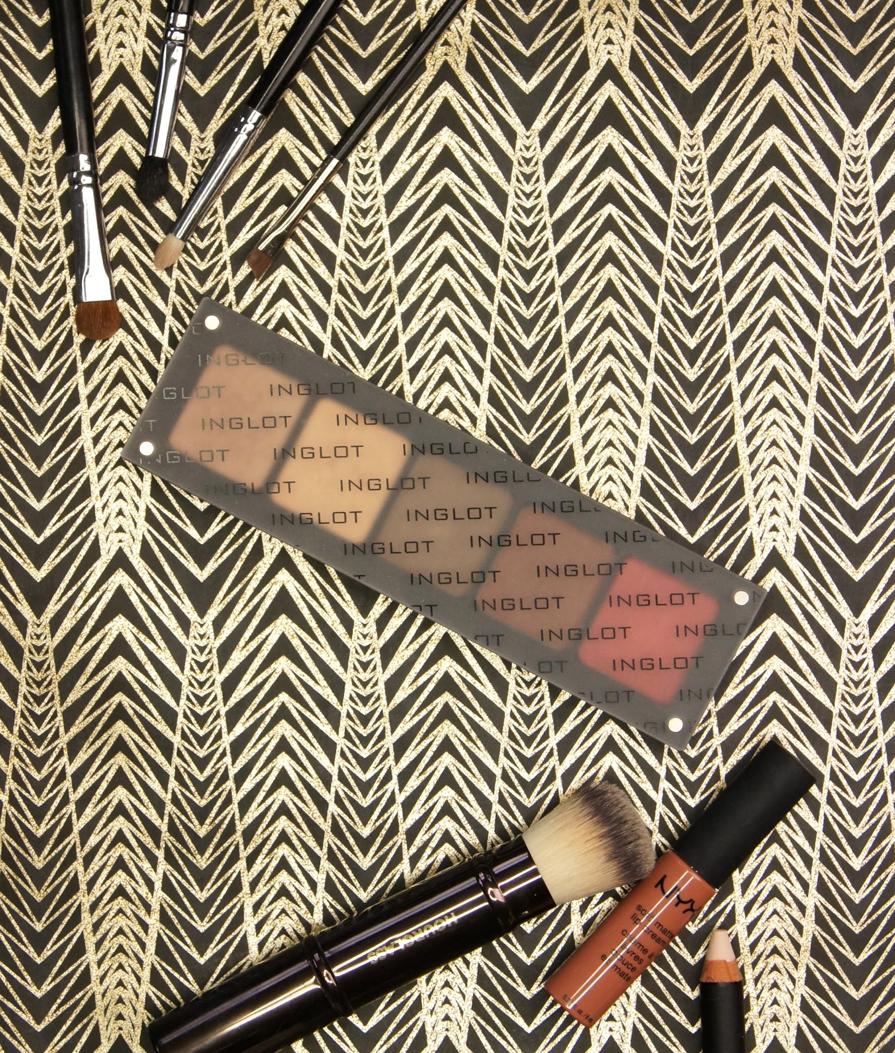 inglot freedom system custom eyeshadow palette review swatches mac comparison