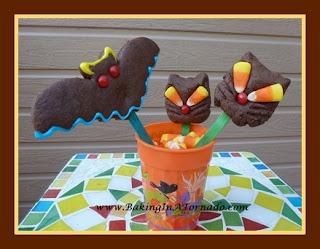Black Cats Cookies  | www.BakingInATornado.com