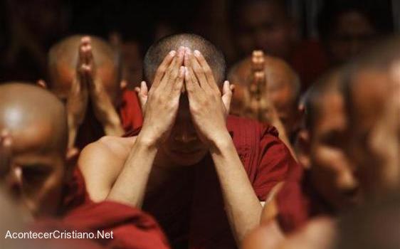 Budistas aceptan a Cristo