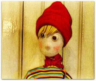 Exposição de Bonecos de Biscuit de Elton Manganelli - O Garoto Assustado - Desenho