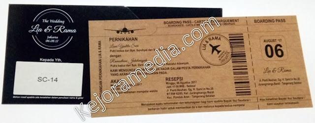 undangan pernikahan berbentuk tiket pesawat indramayu