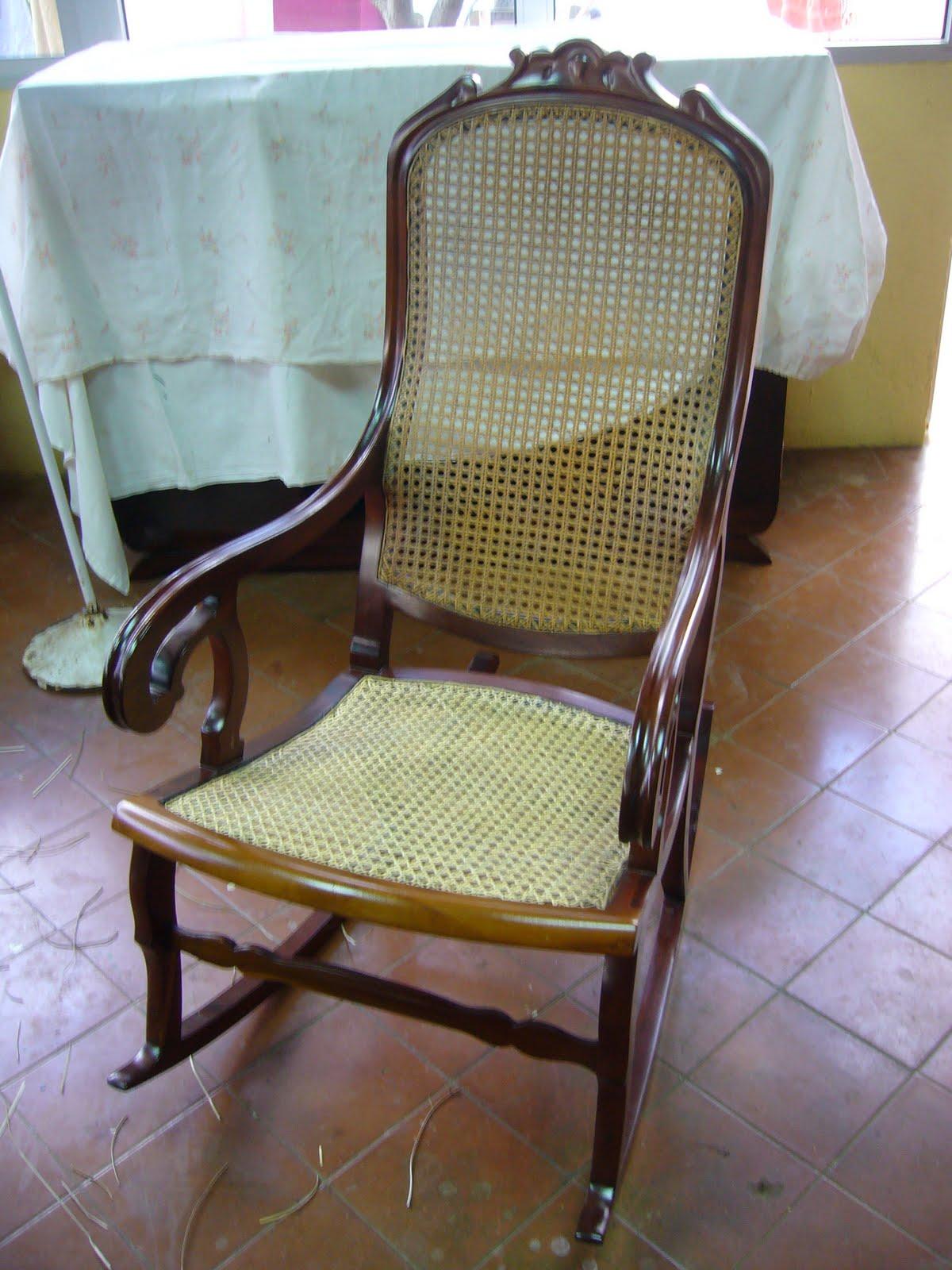 Muebles Rejilla - Restauraci N Del Asiento De Rejilla De Una Mecedora Cubana La [mjhdah]https://i.pinimg.com/originals/97/88/99/978899ff4a2d5d8ea6dc5ccde6be9514.jpg