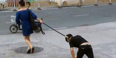 Wanita Ini Seret Kekasihnya Layaknya Seekor Anjing di Jalanan Kota