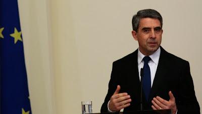 именно промените в Изборния кодекс за изборните права на българите в чужбина доведоха до бурен дебат в страната и сред българите в чужбина