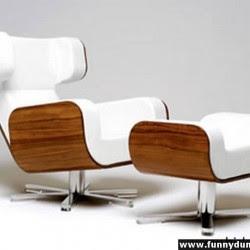 Diseño de sillón único color blanco y madera