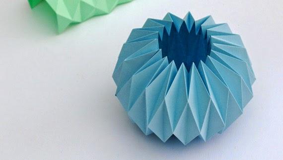 la reines blog eine vase aus papier falten. Black Bedroom Furniture Sets. Home Design Ideas