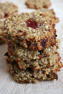 http://be-alice.blogspot.com/2016/07/peanut-butter-jelly-cookies-vegan.html
