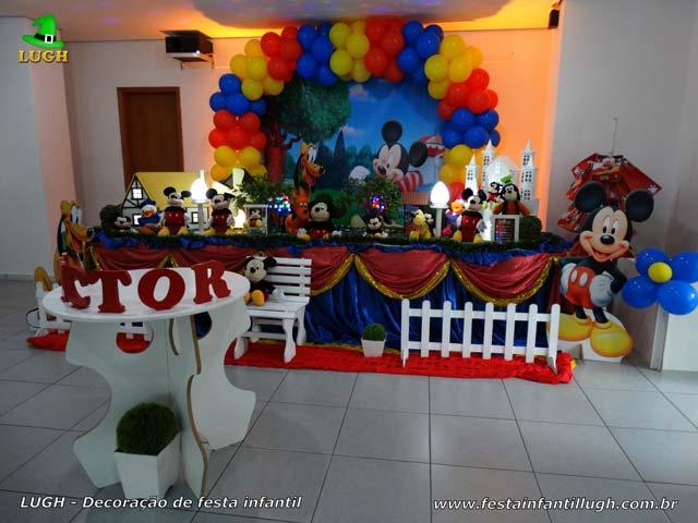 Decoração em mesa luxo de tecido de pano para festa de aniversário infantil tema Mickey Mouse