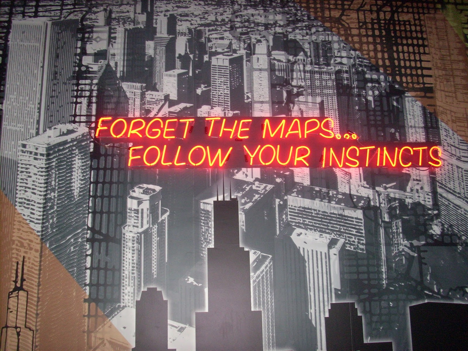 hostel advice forget the maps follow your instincts