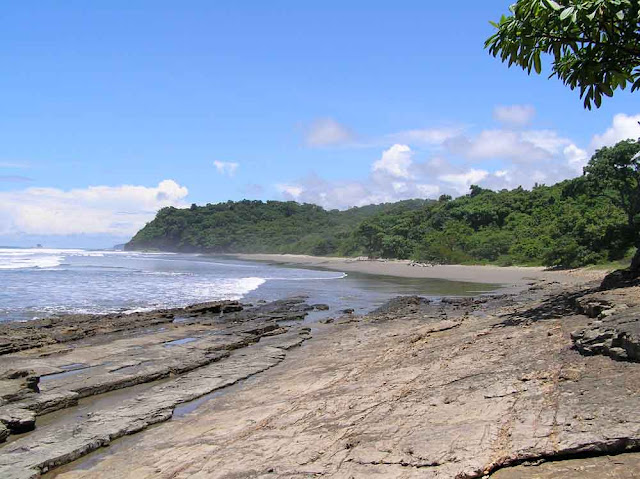 surfing yankee beach nicaragua
