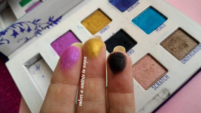 Paleta de sombras de ojos Deluxe Shadow Box de Urban Decay - Swatches