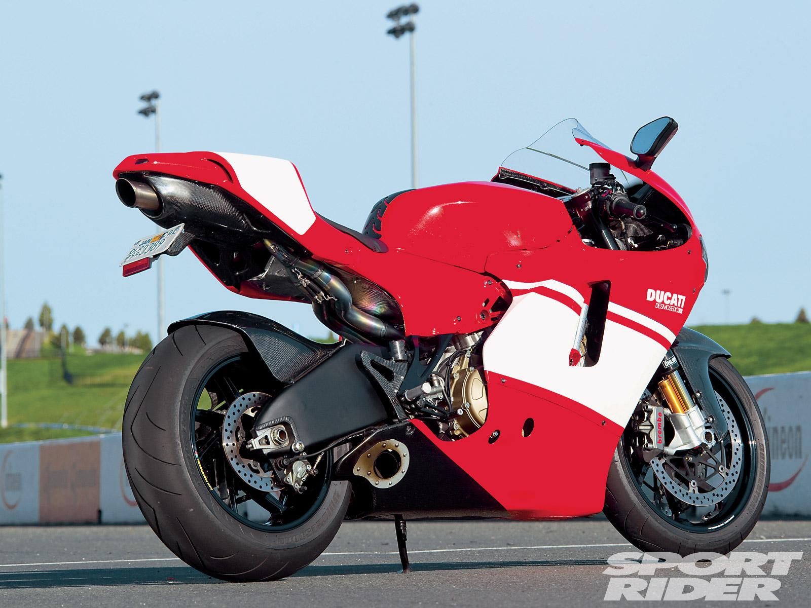 Fast Bikes Online Ducati Desmosedici Rr 2011