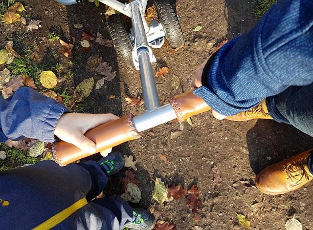 Damit der Weg nach Hause wieder einfach wird: Etwas Schönes nach dem Kindergarten zusammen unternehmen. Auch Kita ist anstrengend, und sich Zeit zu lassen ein wertvoller Tipp.