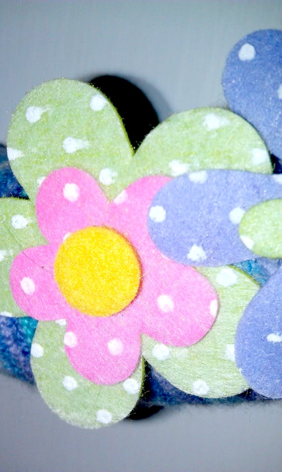 My Creative Way: Spring Yarn Wreath with Felt Flowers.