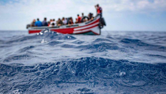 فقدان 45 مهاجرا في غرق مركب بينهم حوامل.. والمغرب ينقذ 21 آخرين