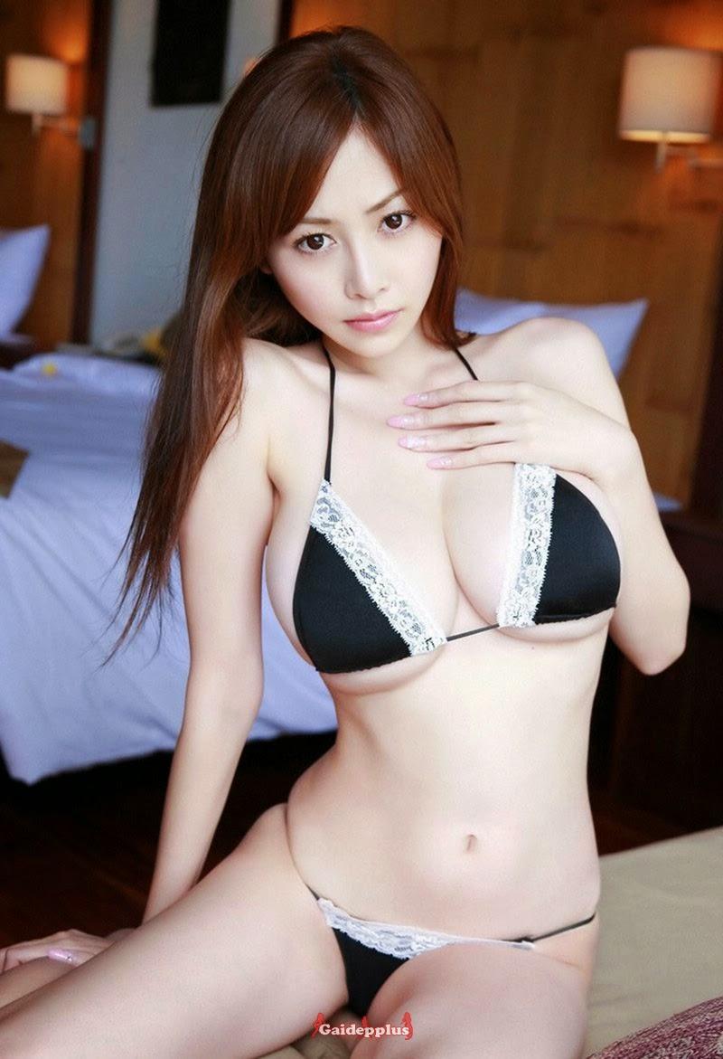 Japanese beautiful girl showing hot body with Bikini