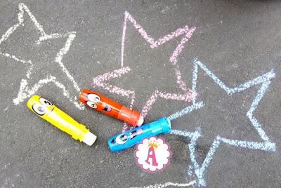 Обзор мелков для рисования на улице WeVeel Scentos Chalk a Doos
