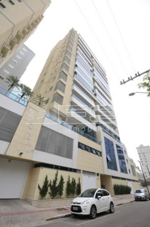 ENC: 1223 - Apartamento 4 suítes - Mobiliado - Meia Praia - Itapema/SC