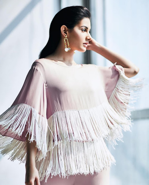 Amyra Dastur Pernia's Pop-up Shop Photoshoo