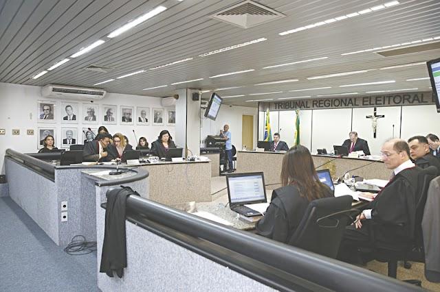 Justiça Eleitoral barra 810 candidatos no Ceará