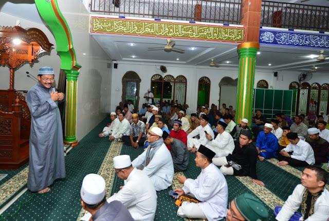 Safari Ramadhan di Masjid Muhajirin Batu Merah, Nurdin: Tanam Kebaikan untuk Generasi Kepri