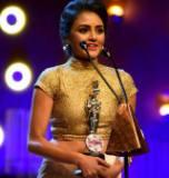 THE MOST POPULAR ACTRESS AWARD 2016 AT DERANA FILM AWARDS