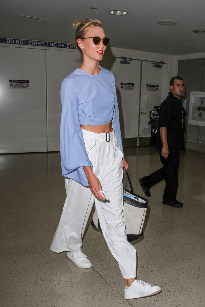 Karlie Kloss Wears a Cropped Tailored Look as She Arrives in L.A.