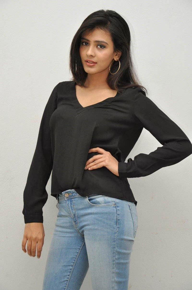 Hebha Patel Hot Photoshoot Images In Tight Jeans - 33 Pics-8360