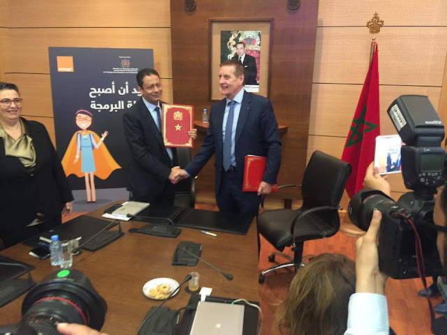 توقع وزارة التربية الوطنية مع شركة Orange اتفاقية شراكة لتعليم البرمجة المعلوماتية بالمدارس العمومية
