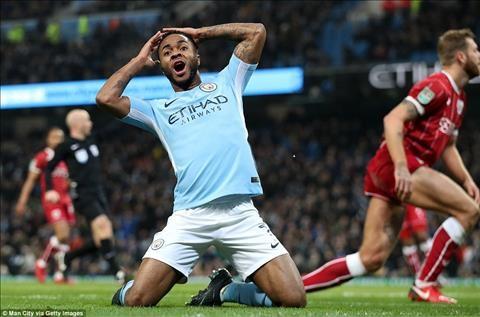 Sterling thể hiện niềm vui khi vừa ghi bàn chiến thắng