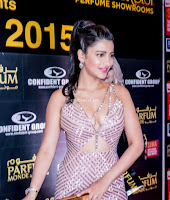 Shruthi Haasan 2 Bollywood Special  Exclusive 011.jpg
