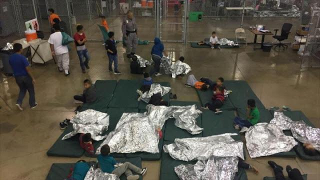 """Oficial de EEUU: Migrantes son detenidos en """"campamento de verano"""""""