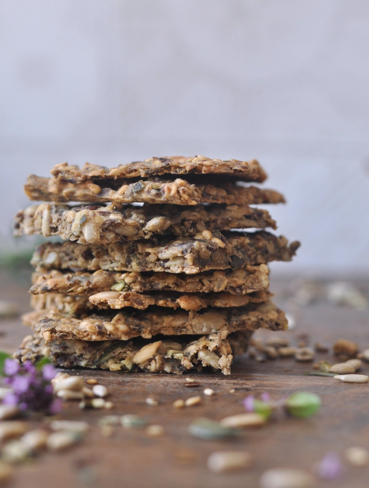 Crispy gluten free Crackers with seeds and rosemary - delicious!