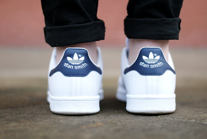 adidas stan smith blue detail